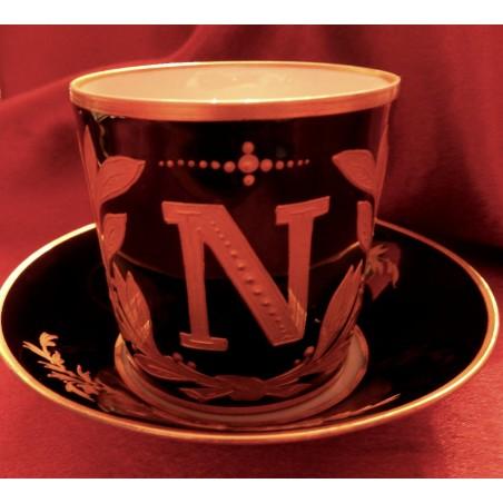 Tasse à café manufacture impériale de Sévres au chiffre de l'Empereur