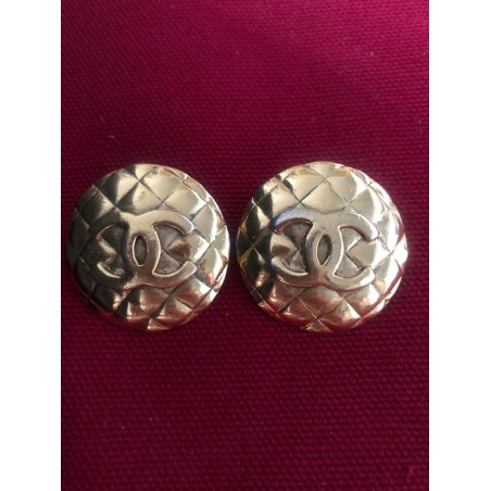 """Boucles d'oreilles Chanel """"matelassées logo"""""""